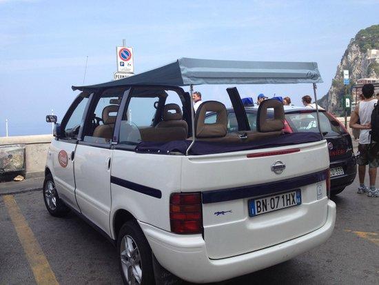 La Scalinatella: Capri taxi