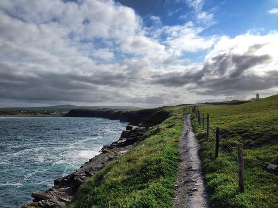 Doolin Hostel: The Cliffs of Moher trail - a short walk from the hotel