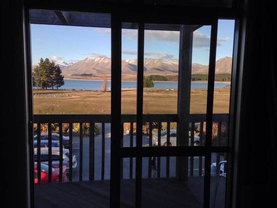 Lake Tekapo Village Motel: View from our room, Lake Tekapo Scenic Resort.