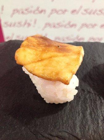 Sushimore Santa Cruz de Tenerife: Nigiri picante de pez mantequilla