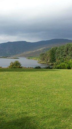 Castillo Glenveagh: Drive Along the Lake to Castle