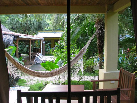 Zula Inn Aparthotel: room view to pool area and lounge area