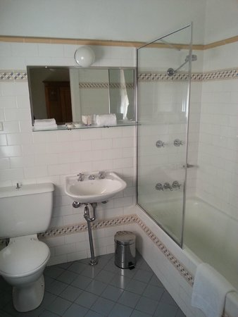 The Russell Boutique Hotel : Bathroom