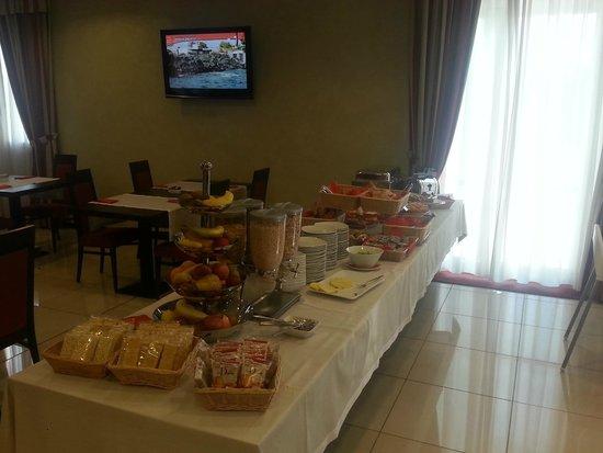 Hotel Arthur : Tavolo della colazione