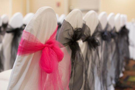 Hilton Garden Inn Syracuse: Wedding Ceremony Chairs