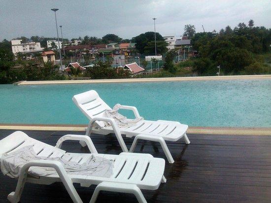 D Varee Diva Avenue Samui: Roof top pool