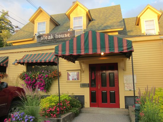 The Red Parka Steakhouse & Pub: Red Parka