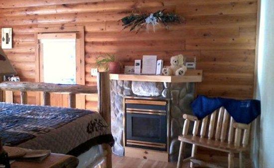 West Yellowstone B & B: Queen Bedroom