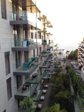Golden Residence : Fachada lateral edifício A é B o C não é perceptível