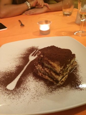 Profumo di ristorante italiano: Tiramisu made by the grandad!
