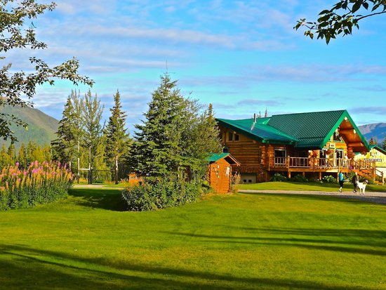Log Cabin Wilderness Lodge: The Authentic Rustic Lodge