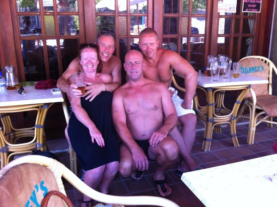 Delaney's Bar And Diner : Sister/brotherinlaw/ bro/partner��