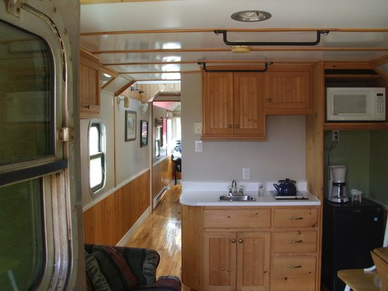 Train Station Inn: Inside a caboose room