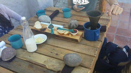 El Tupe: Café y pan con mermeladas con habanero. Buena combinación!
