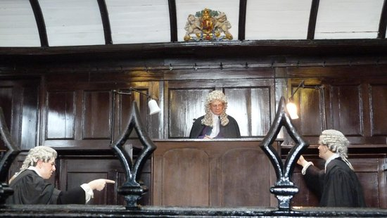Beaumaris Courthouse : Judge and barristers at Beamaris Courthouse