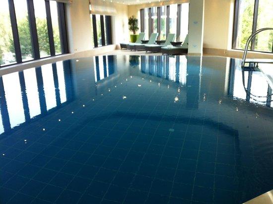 Pool picture of maritim hotel duesseldorf dusseldorf for Dusseldorf hotel mit pool