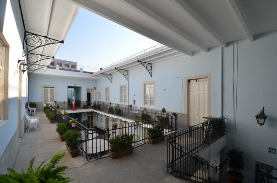 Casa San Ildefonso Hostal: Second Floor