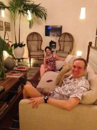 Hotel Boutique Casa del Coliseo: Sentados en una de las salas de la casa
