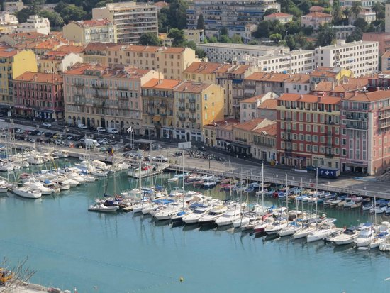 Mercure Nice Marche aux Fleurs: Nice port