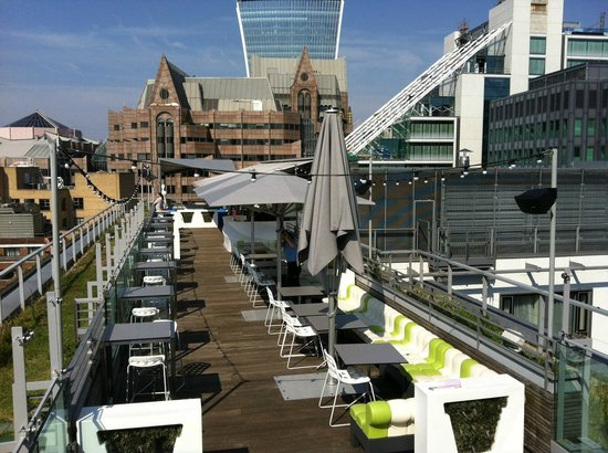 Roof Bar Picture Of Doubletree By Hilton Hotel London