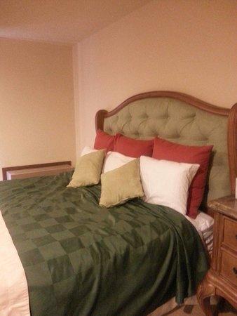 Fox Hills Resort : Masrer Bedroom !!