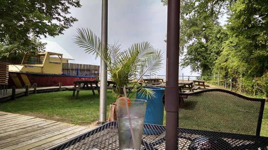 Scudder Beach Bar & Grill