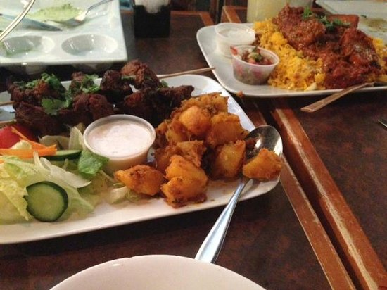 Jambo Grill & Paan House : Dishes and breads