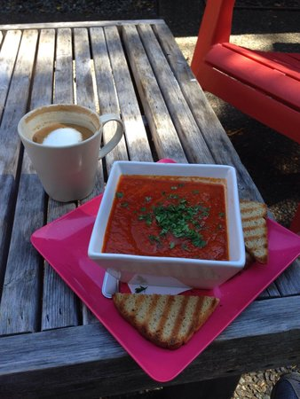 Shirley Delicious : Great coffee and the lunch was amazing!! I will return when ever in the area.