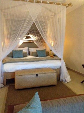 Kempinski Seychelles Resort : Bed