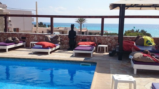 Maysi Hostal: View from pool