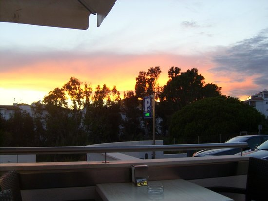 Cafeteria Los Olivos: Sunset view