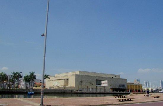 Centro de Convenciones Cartagena de Indias: desde el muelle
