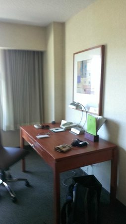 DoubleTree by Hilton Hotel San Francisco Airport North: Work space