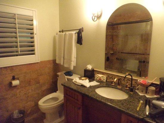 Castillo Inn at the Beach : banheiro