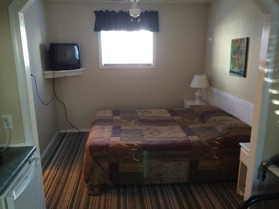 Reno Motel: Room 8.