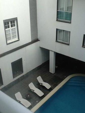 Hotel do Colegio: Overlooking Courtyard