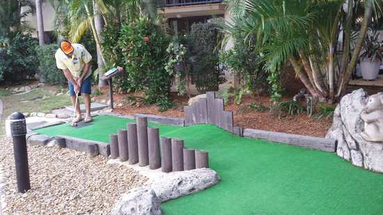 Turtle Beach Resort: Mini golf at the resort