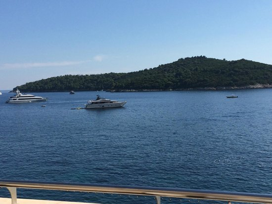 Hotel Excelsior Dubrovnik: View from the breakfast terrace