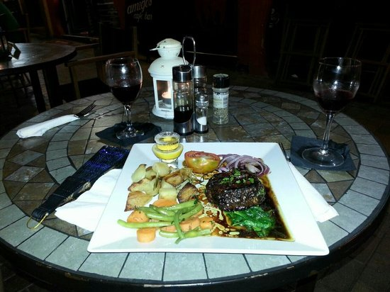 Amigos Restaurant and Roof Terrace: Gorgeous steak
