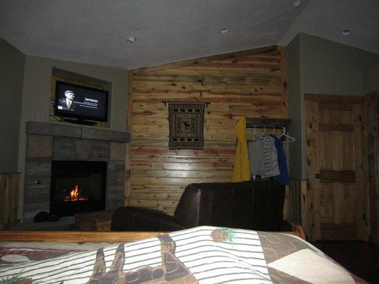 StoneBrook Resort: room