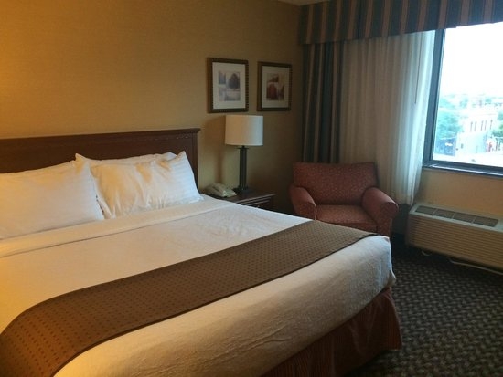 Holiday Inn Lincoln - Downtown: King Room