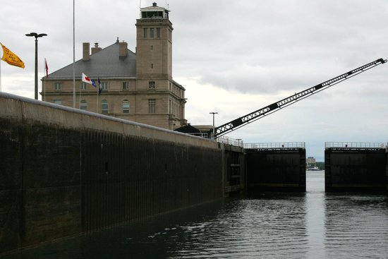 Soo Locks Boat Tours: American Locks