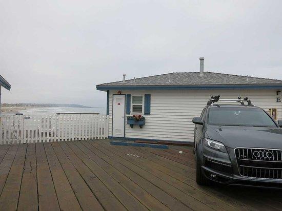 Crystal Pier Hotel & Cottages : 木製ピア上のコテージ