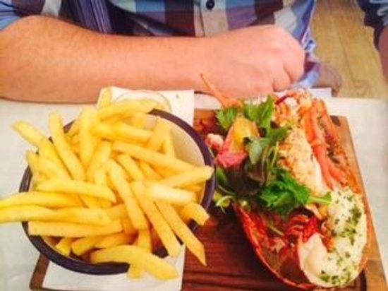 Bonnie Gull Seafood Shack : half lobster