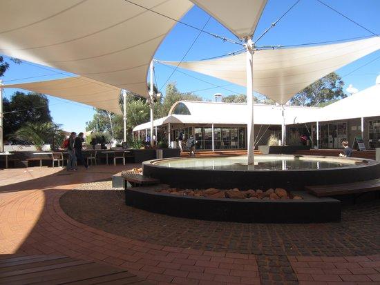 Desert Gardens Hotel, Ayers Rock Resort : Town centre Yulara Resort