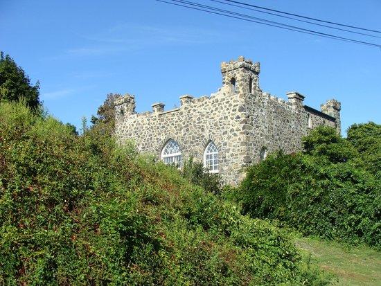 Marblehead Summer House: Hershoff Castle (Backyard)