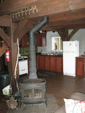 Falcon Trails Resort: Kitchen