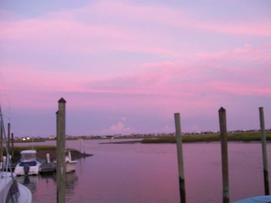 Wahoo's Fish House: Beautiful view of the inlet