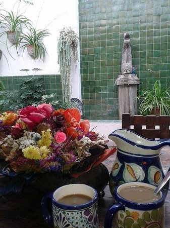 Casa de la Noche : Enjoying a cup of coffee