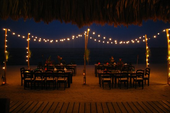 Belize Ocean Club Resort: Beach BBQ